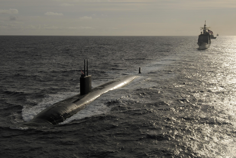 File:US Navy 110405-N-WP746-207 USS Tucson (SSN 770), USS ... Navy Cruiser Ships