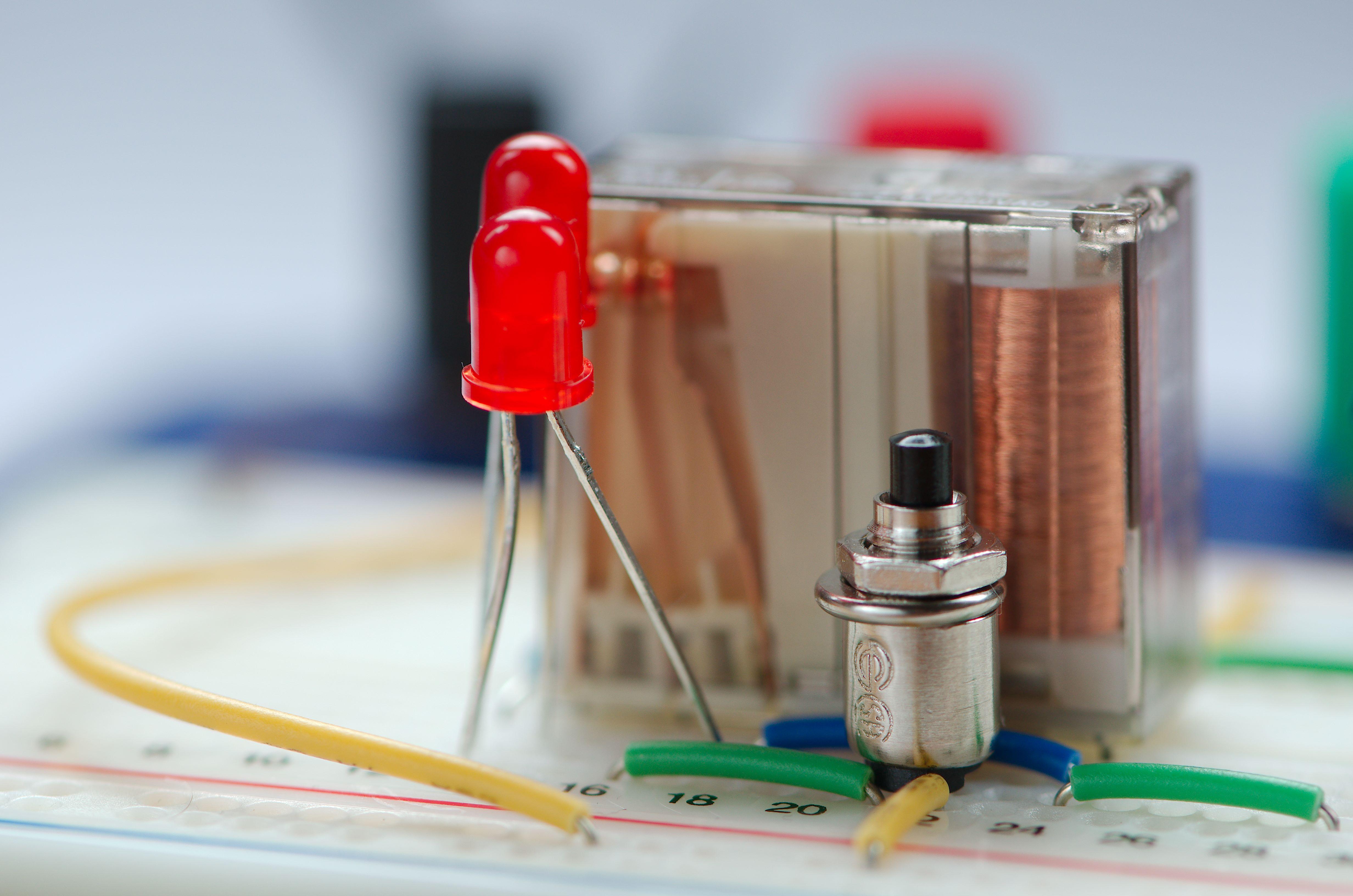 Filewiring Up A Relay Oscillator On Breadboard Wikimedia Wiring