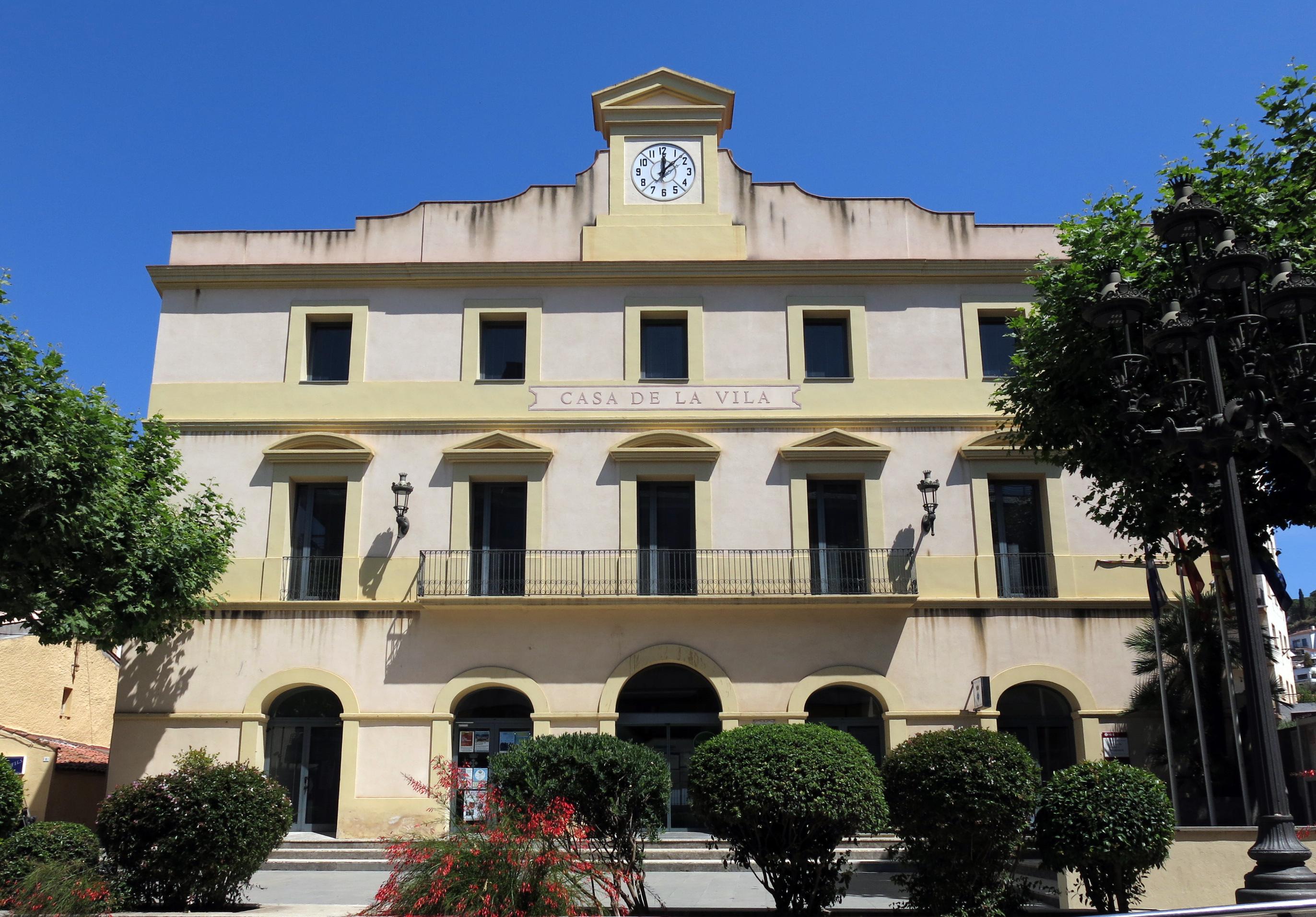 File:022 Ajuntament de Sant Andreu de Llavaneres.JPG - Wikimedia ...