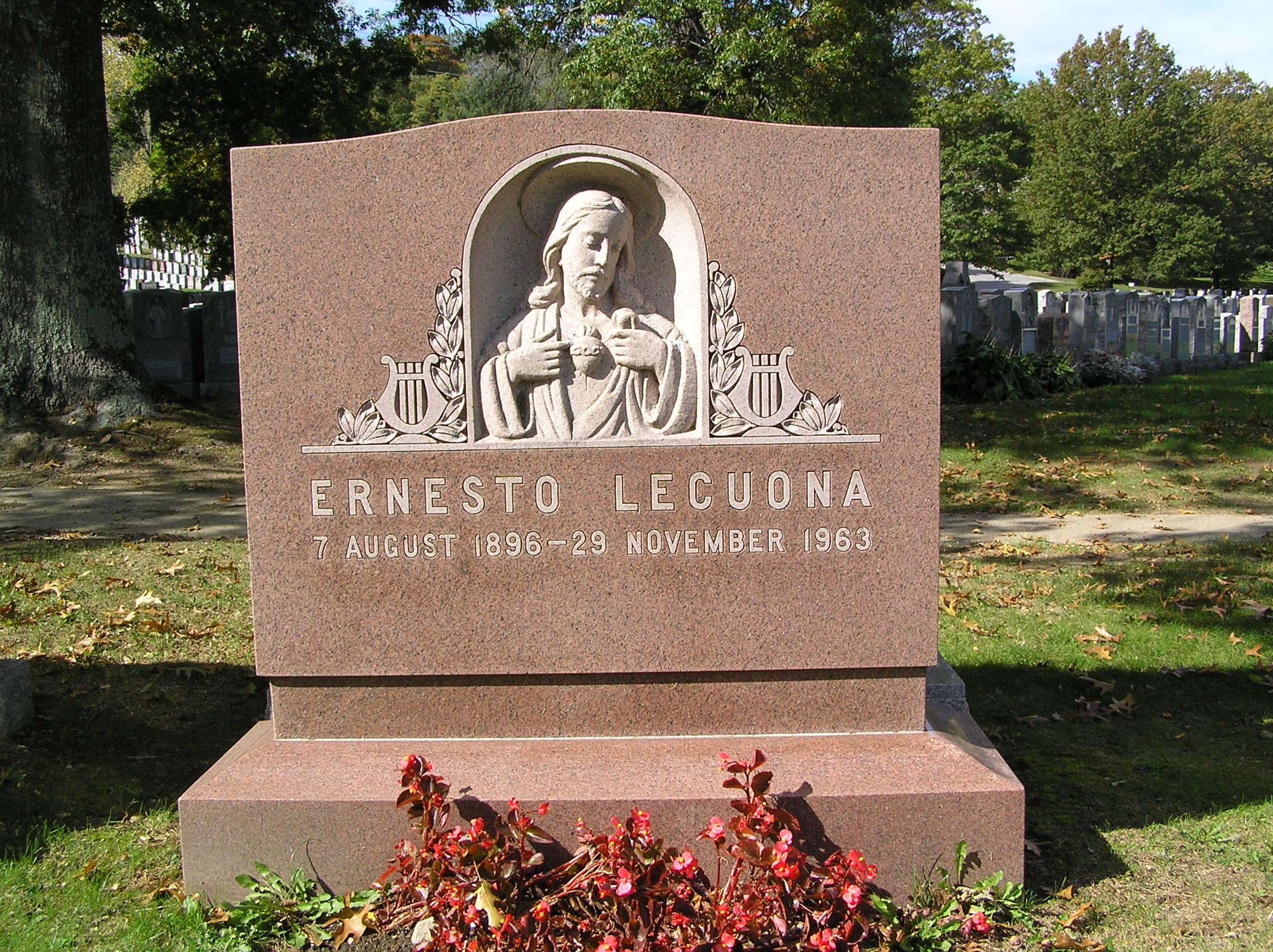 Tumba de Ernesto Lecuona en Nueva York.