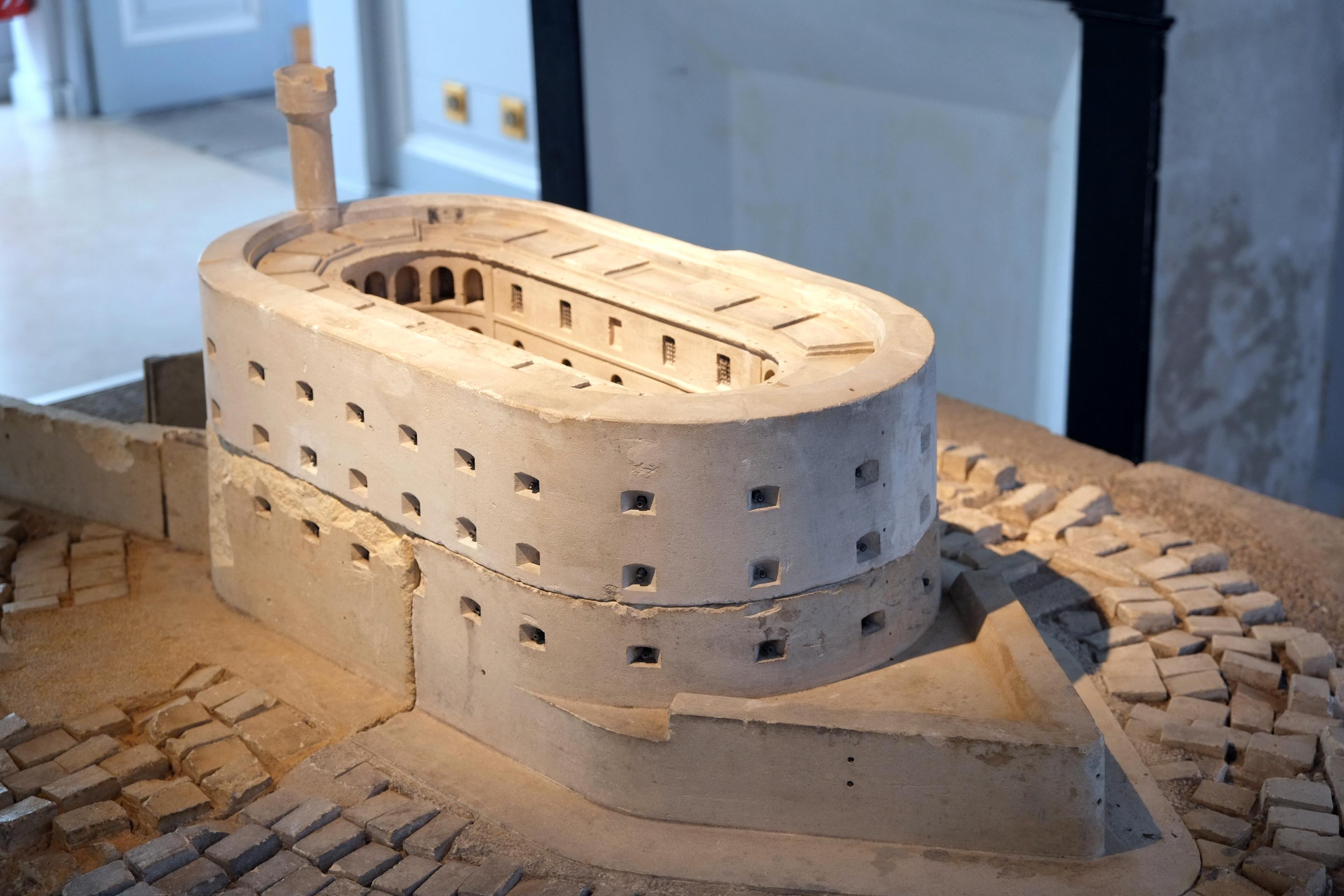 File:079 - Maquette du fort Boyard musée de la Marine ...