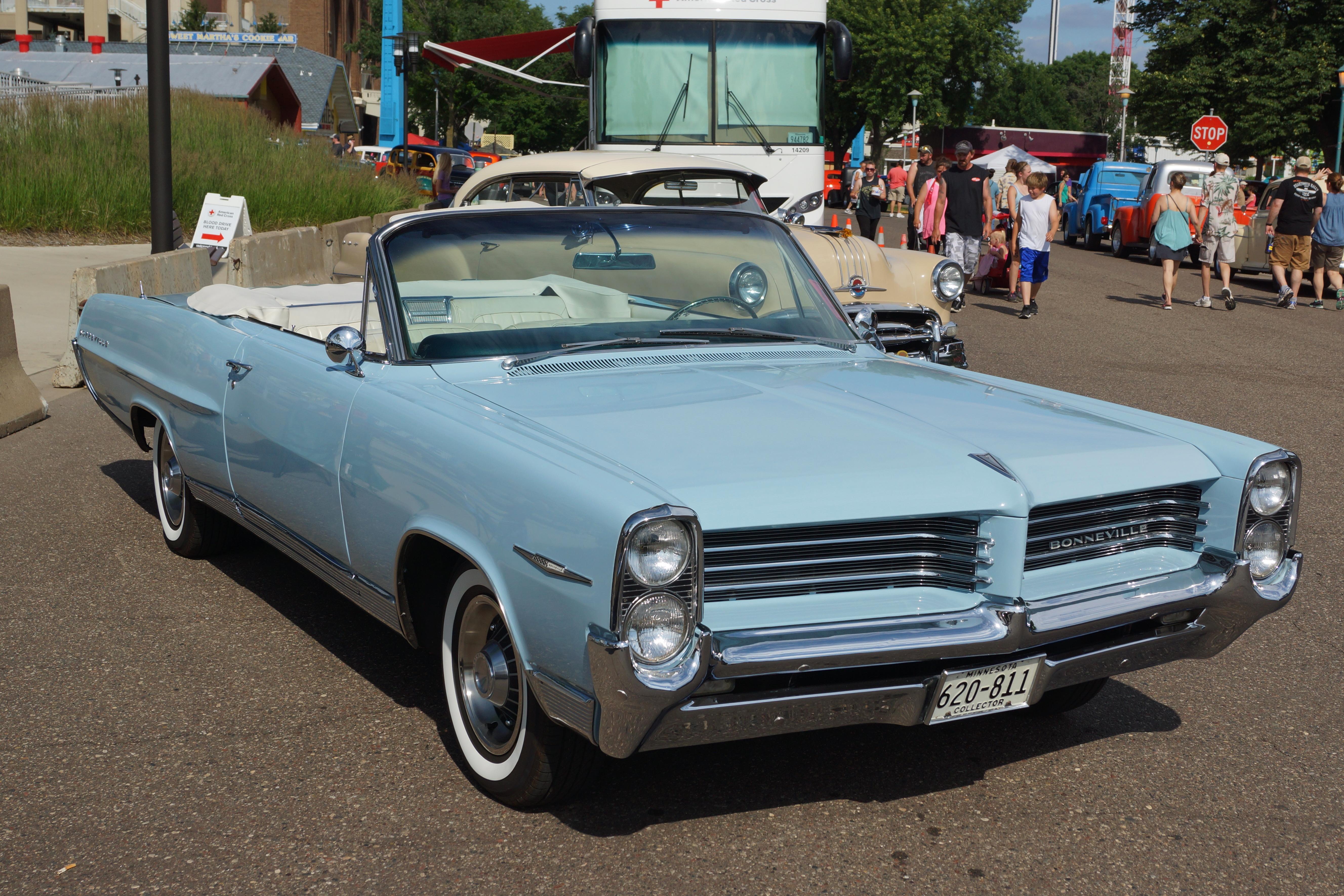 File1964 Pontiac Bonneville Convertible 27536733070jpg