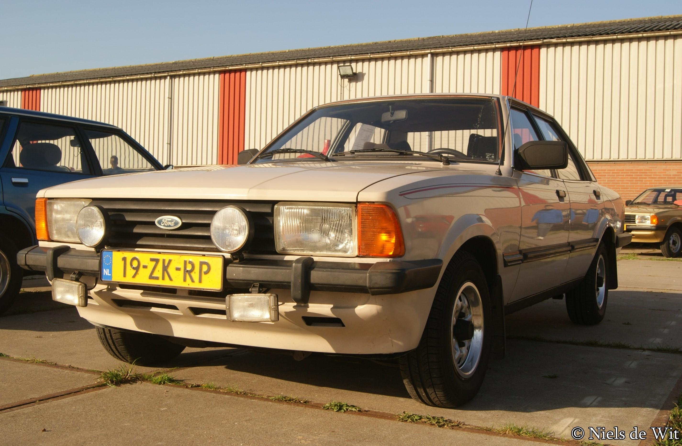 File:1982 Ford Taunus 1300 XL (15513926508).jpg ...