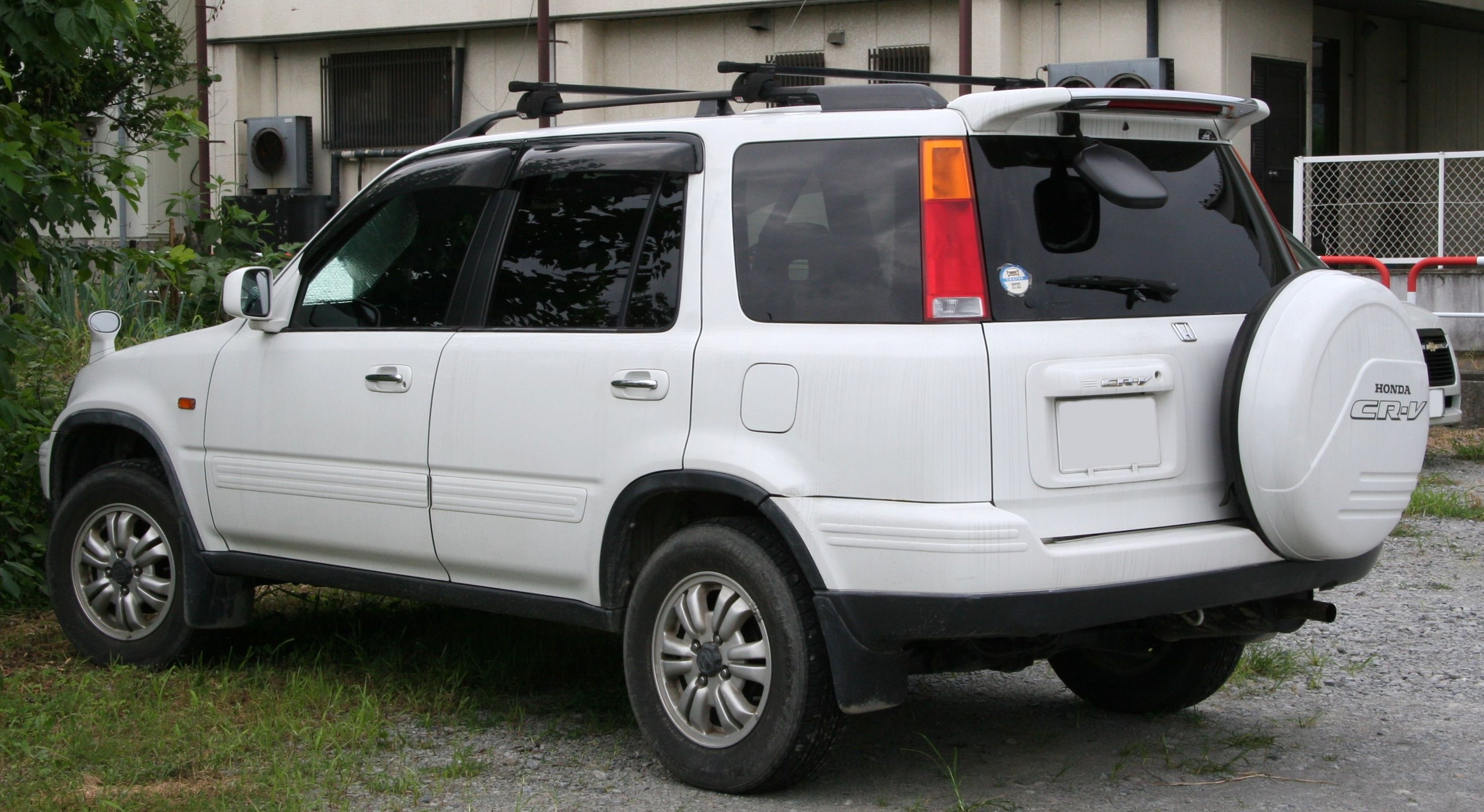 file 1st generation honda cr v rear     wikimedia commons