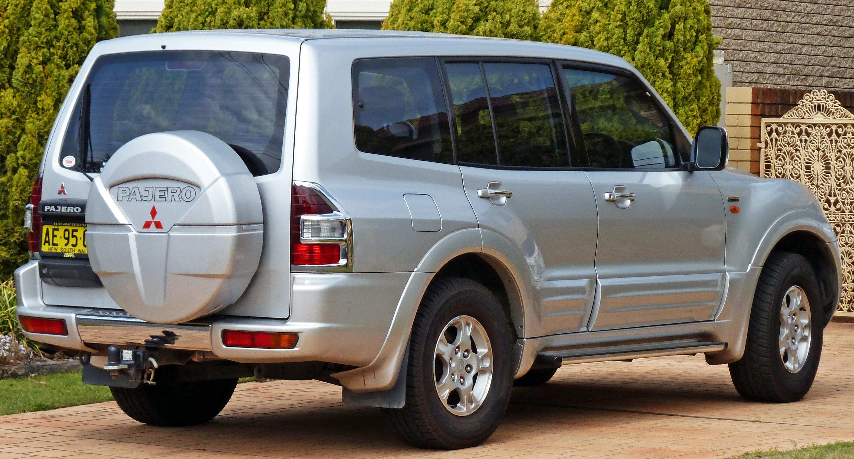 Mitsubishi Pajero (2000)