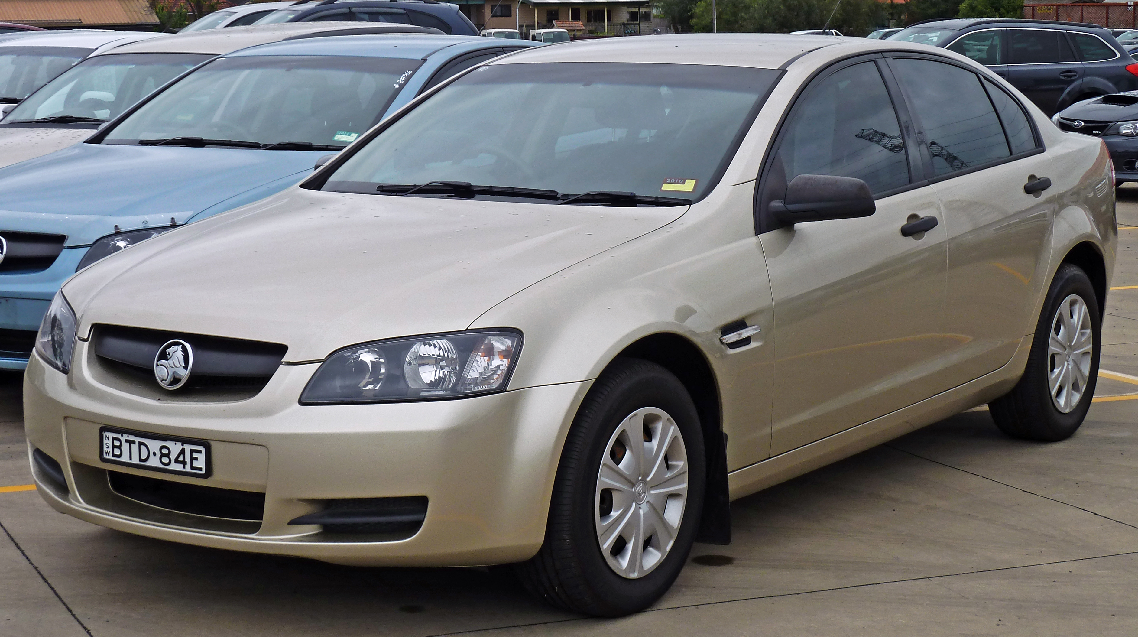 image gallery 2010 holden commodore