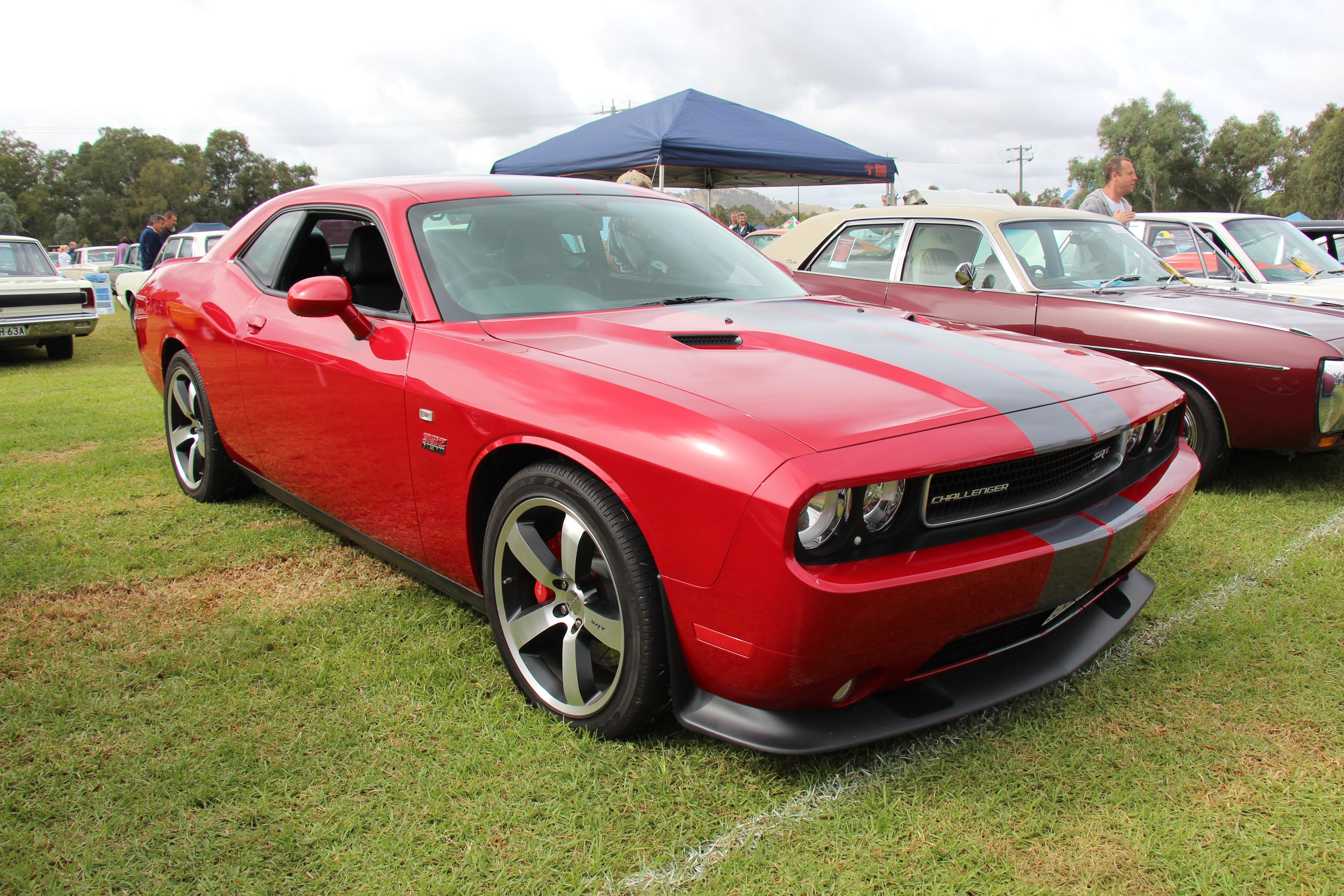 File2012 Dodge Challenger SRT 392 13459628545jpg