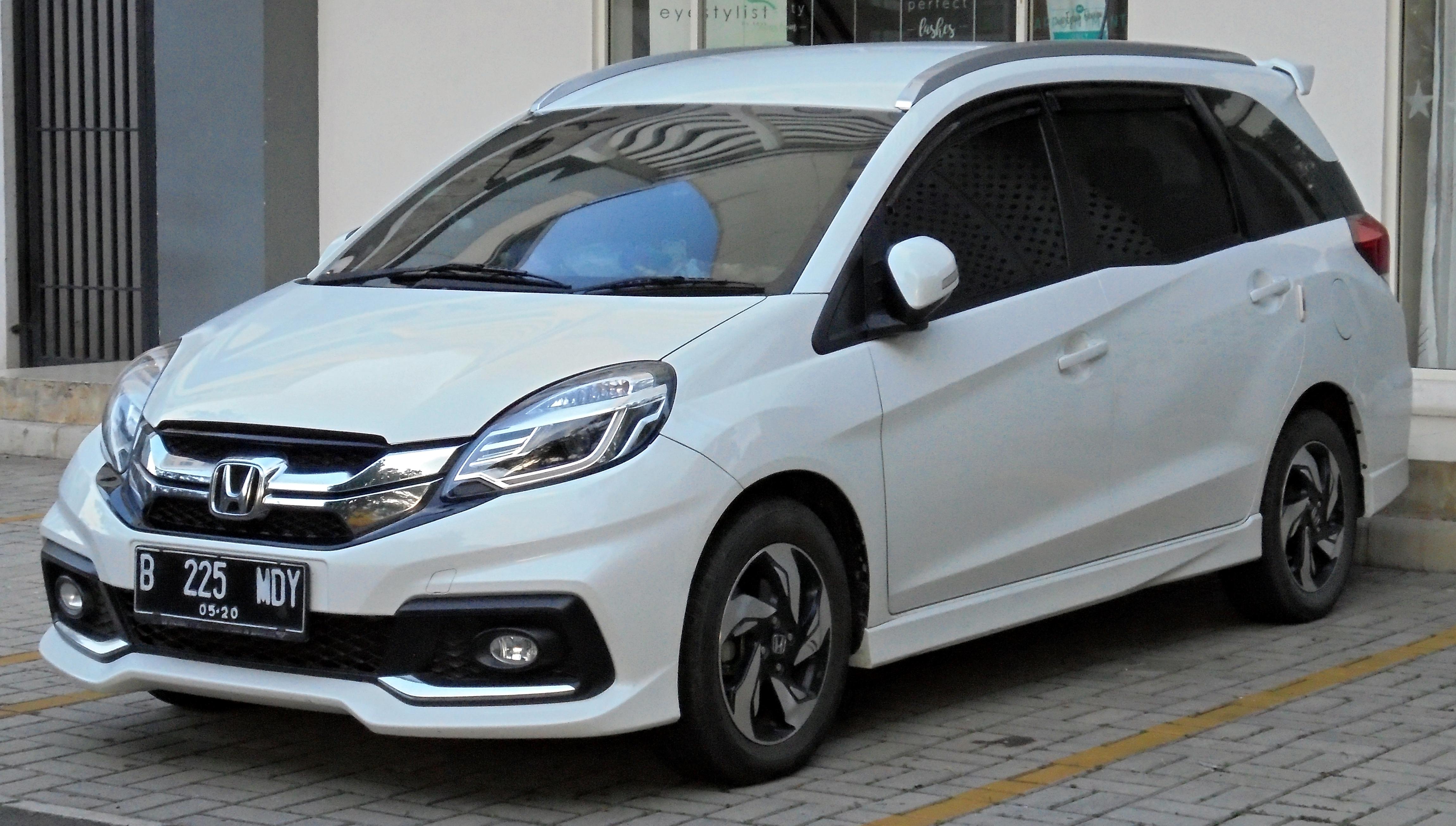 Kelebihan Honda Mobilio 2019 Perbandingan Harga