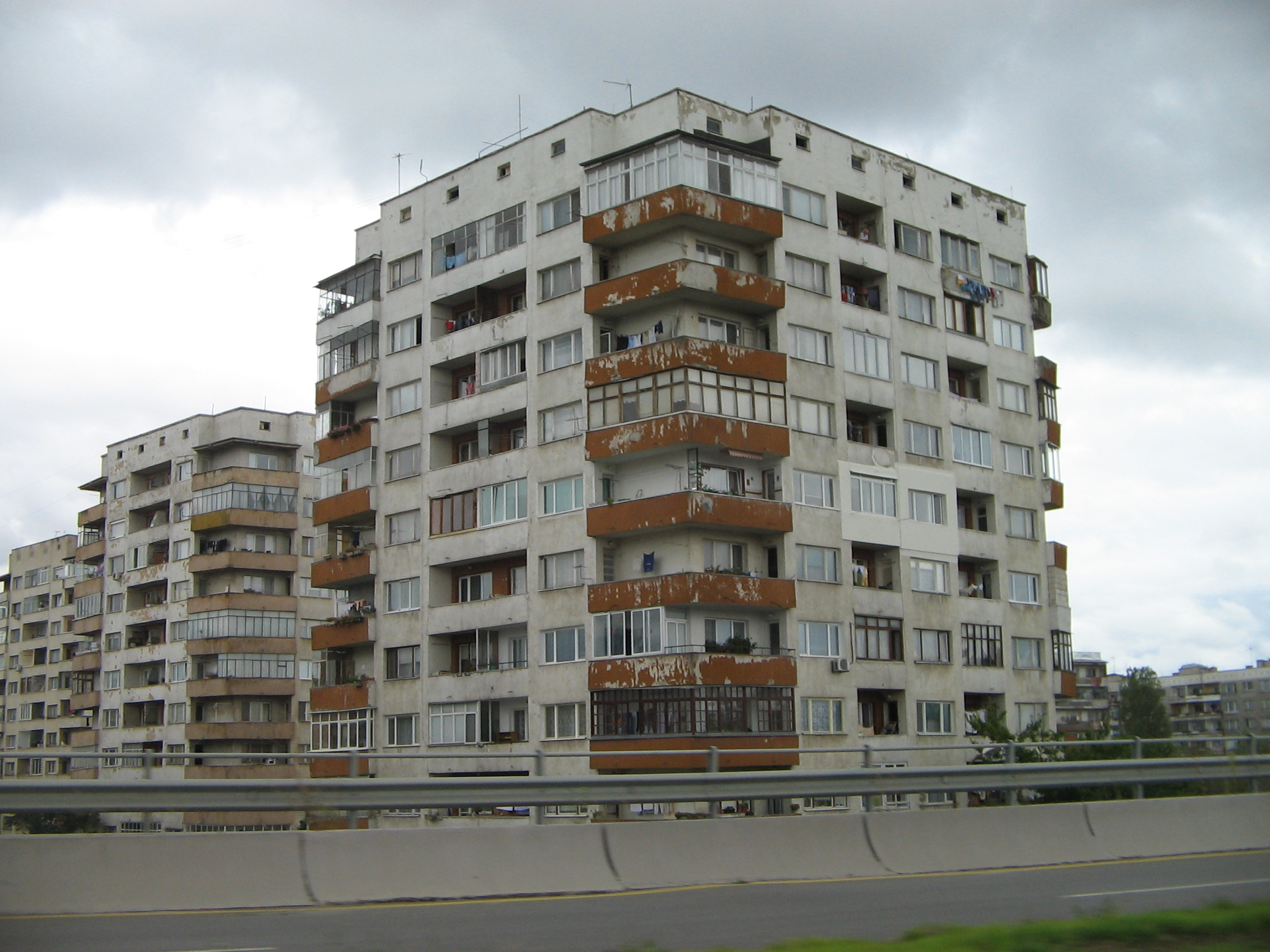 File Apartment Building In Sofia Bulgaria September 2005 2 Jpg Wikimedia Commons