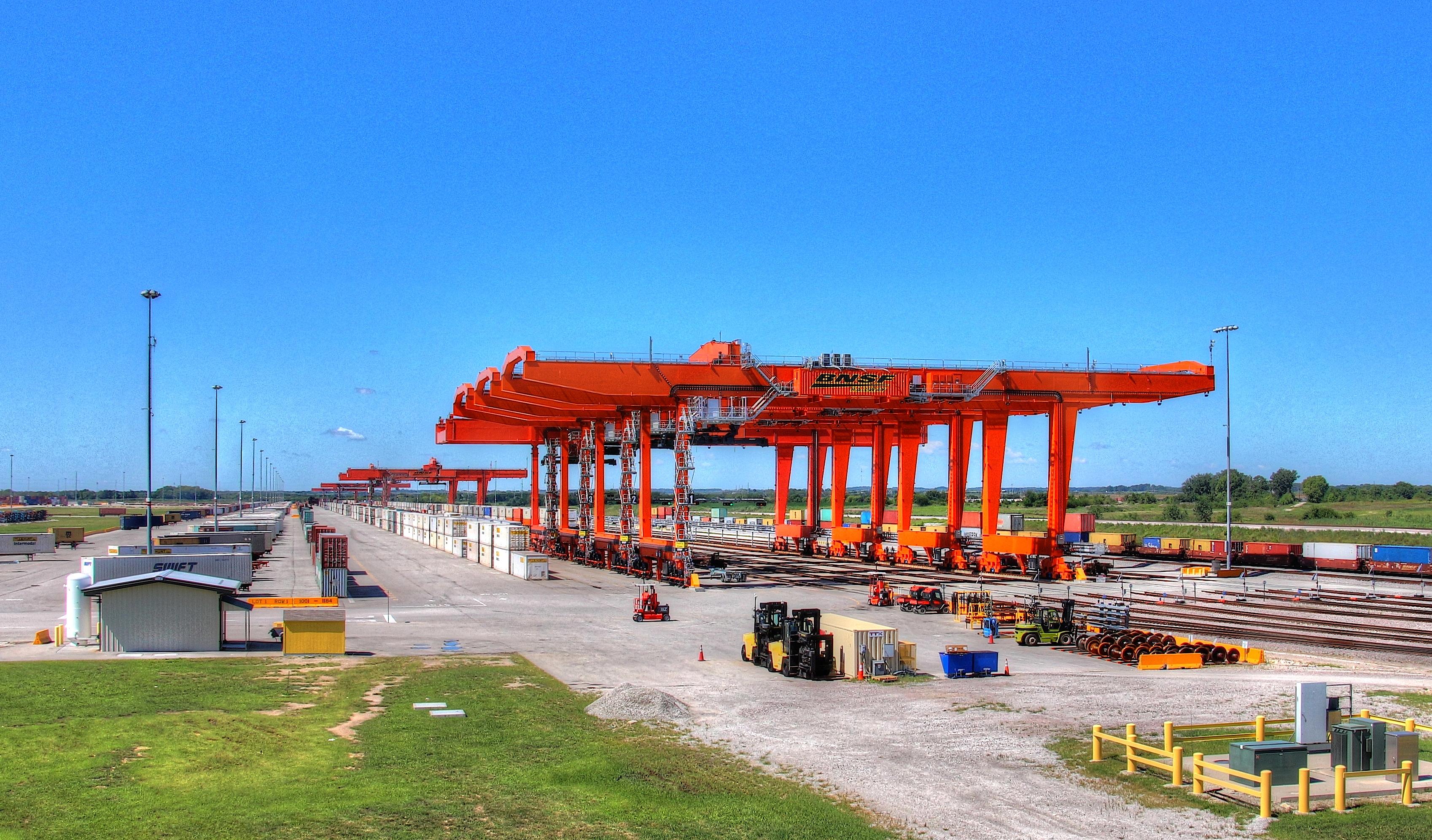 File:BNSF Logistics Park Kansas City Intermodal Facility