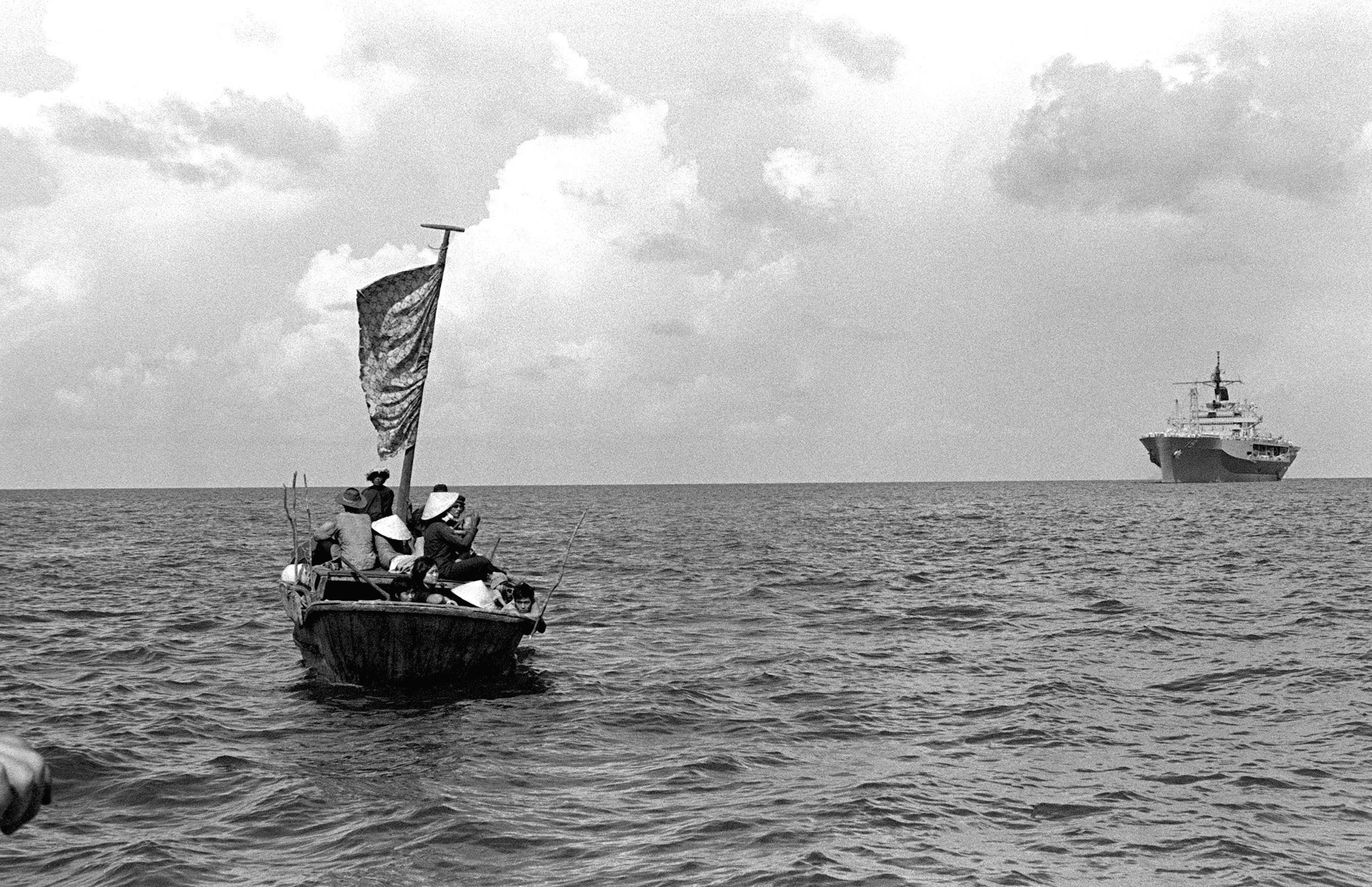 File:BR, Vietnam, 1982, Boat People (1979-1984), file 01.jpg - Wikimedia Commons