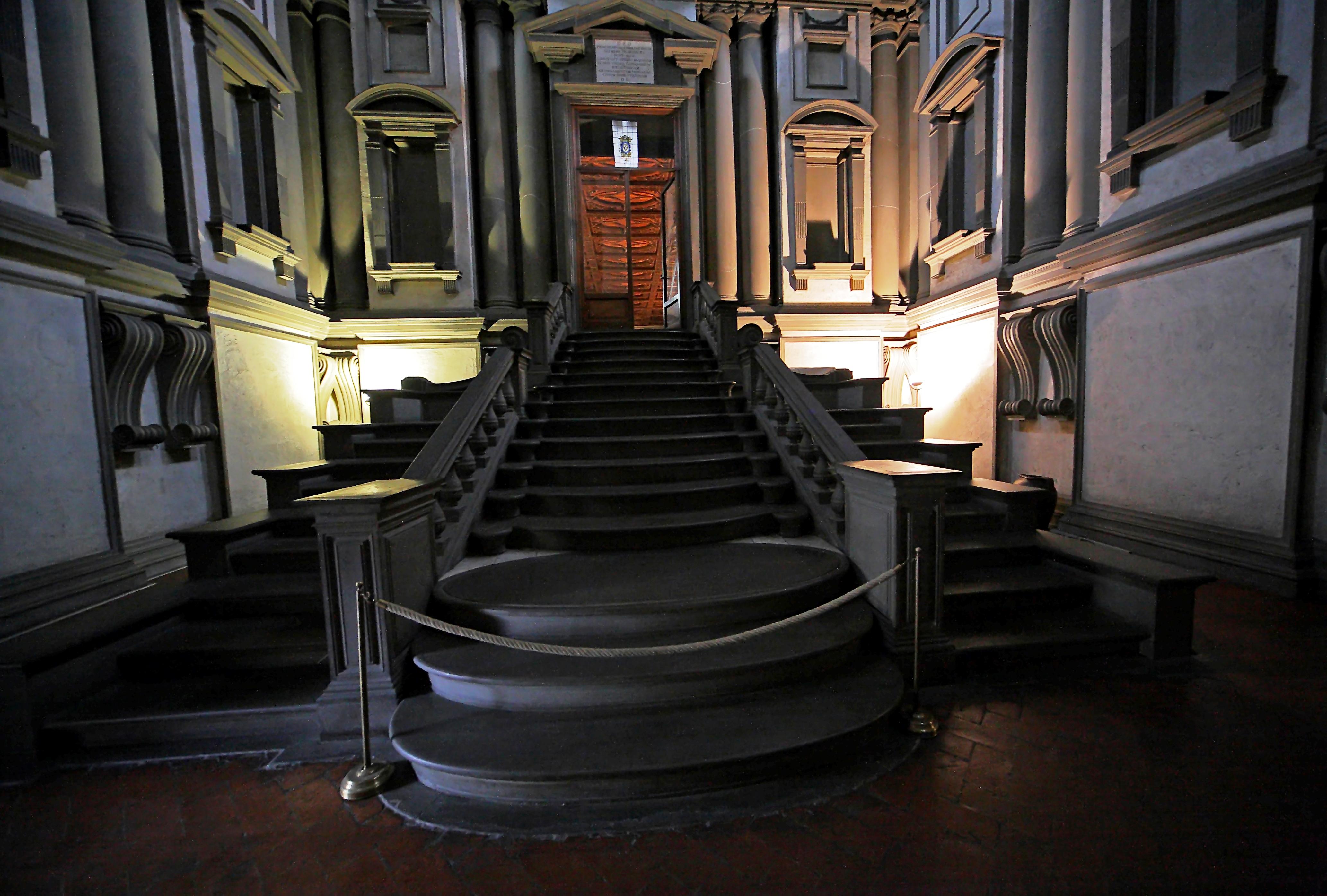 File biblioteca mediceo laurenziana miguel angel - Escalera de biblioteca ...
