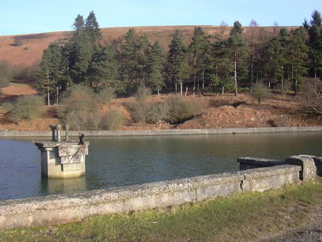 Blaen Brân Reservoir and Blaen-Brân Community Woodland - geograph.org.uk - 367159