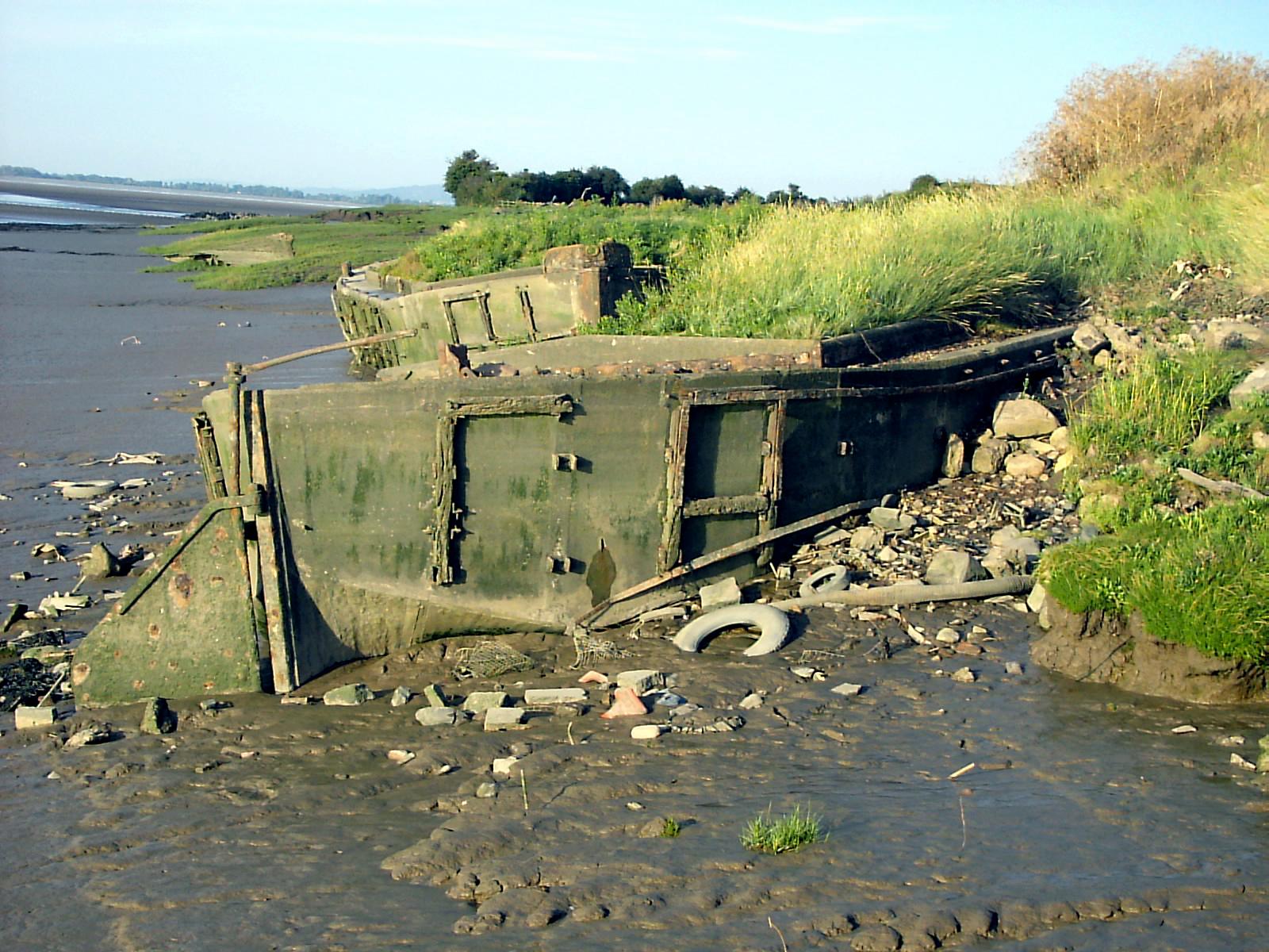 Boat graveyard - geograph.org.uk - 103070