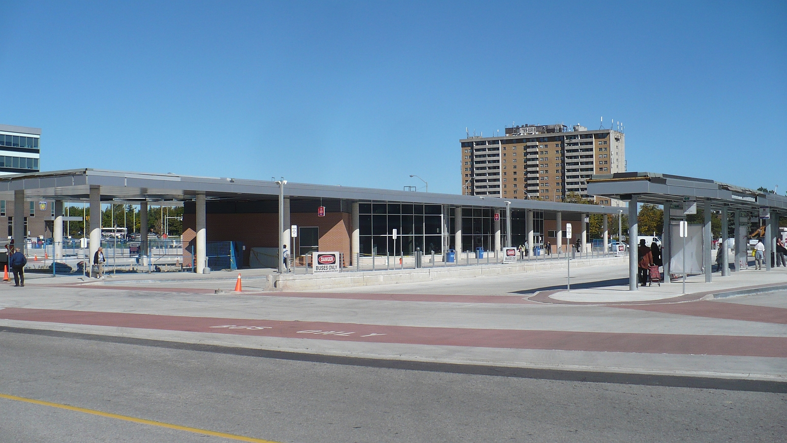 Well, the mall hasn't made too much progress, but it is barreling along, though slowly. Here's the most up to date info on what's happening with Brampton's mega mall! According to the city, a settlement was reached back in February between the City of Brampton, developers Osmington inc. and the appellants (challengers) to the city.
