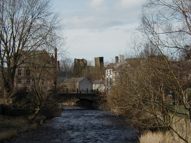 File:Bridge over river Cocker in Cockermouth. - geograph.org.uk - 1318909.jpg