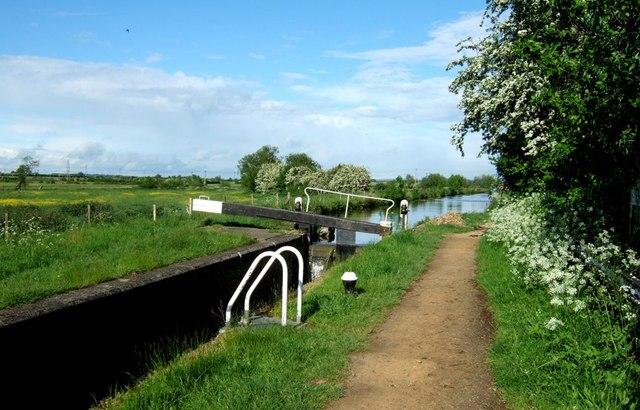 Broughton Lock - geograph.org.uk - 177272