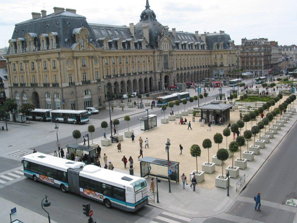fichier bus place de la r publique de rennes 5618280893 jpg wikip dia. Black Bedroom Furniture Sets. Home Design Ideas