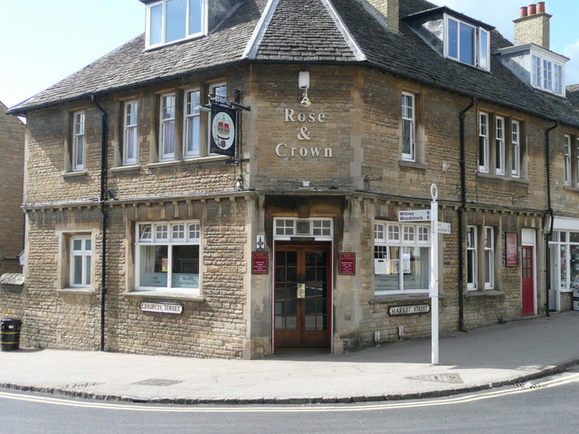 Charlbury, the Rose and Crown pub - geograph.org.uk - 801266