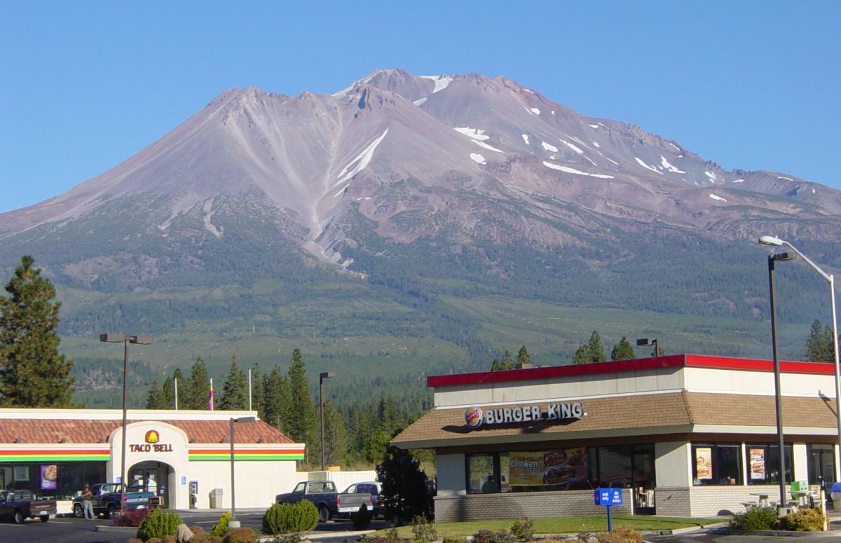 Mount Shasta From Weed Airport Stock Photo - Image of shasta, landmark: 94984378