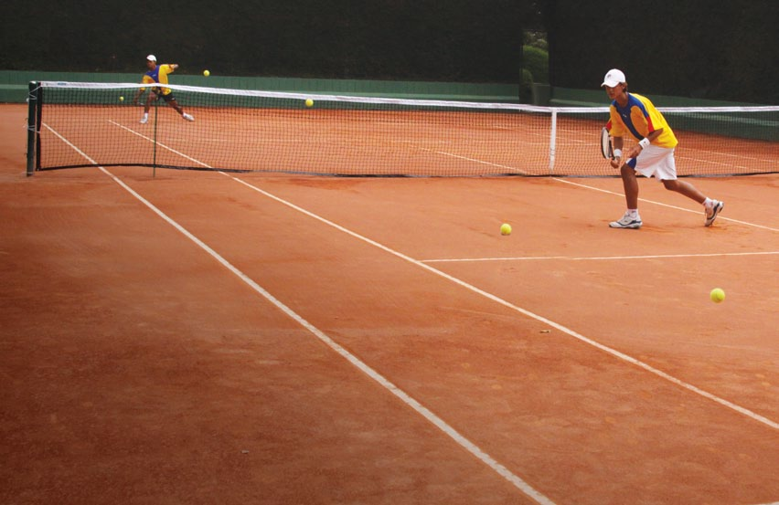 Size of this preview: 800 × 519 pixels . Other resolutions: 320 ...: commons.wikimedia.org/wiki/File:EVD-tenis-201.jpg