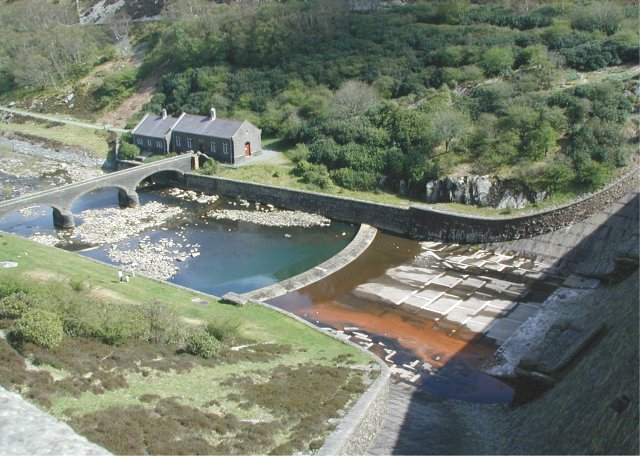 Elan Valley - View from Reservoir - geograph.org.uk - 468524