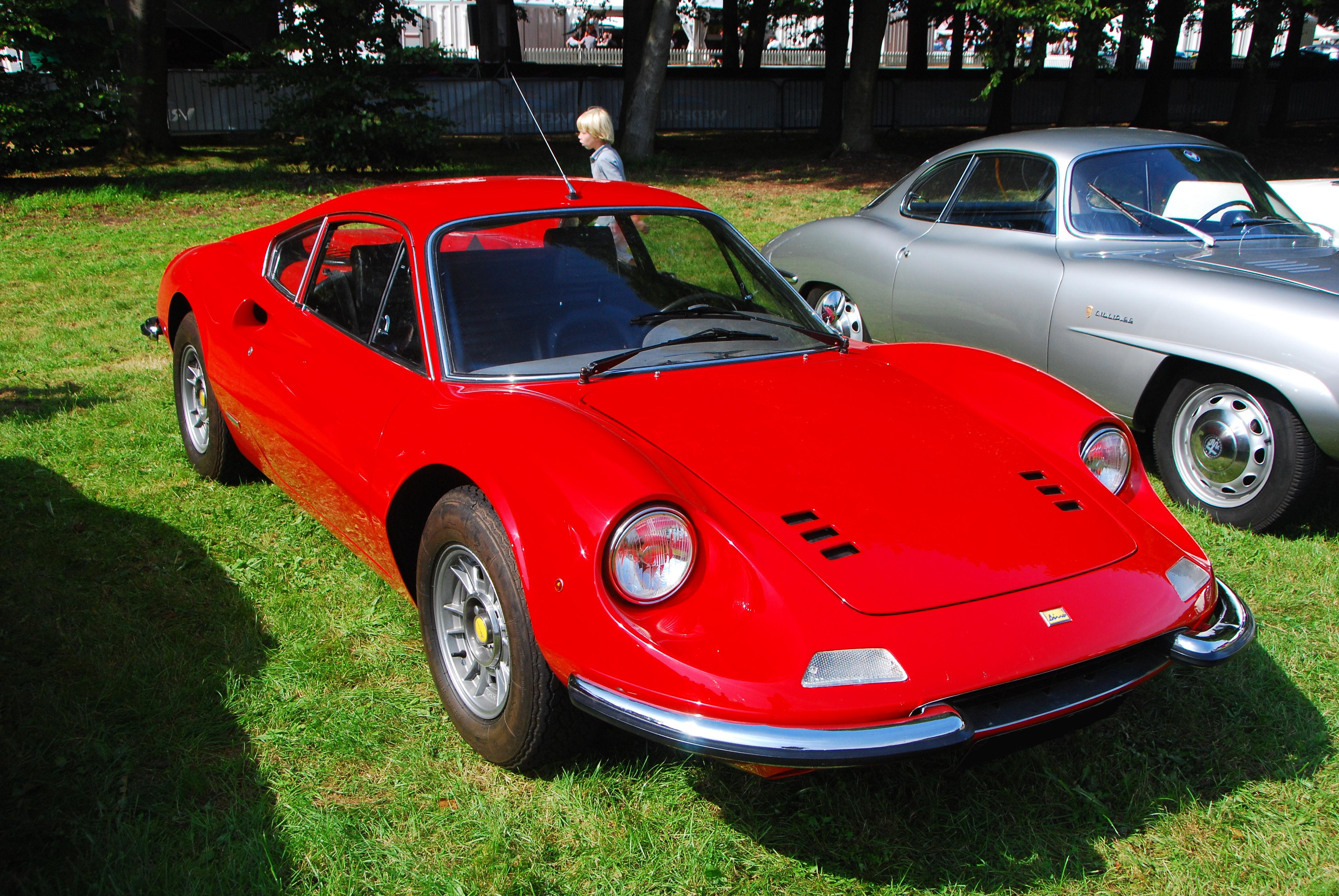 fiat 124 for sale with File Ferrari Dino 246gt Coupe on Fiat 124 Spider Adorned With Abarth Skin furthermore Mercedes Benz 500 E together with C289528 together with 500 W124 500 E 326 Hp additionally 2018 Lincoln Aviator Front Three Quarter In Motion.