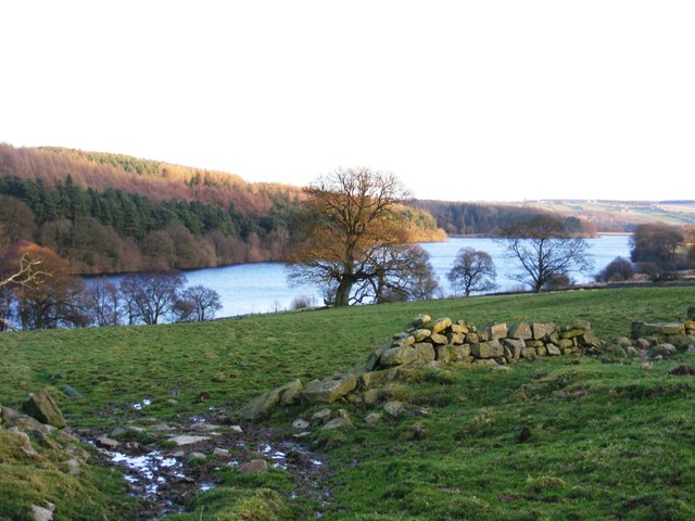 Fewston Reservoir in early winter - geograph.org.uk - 725178