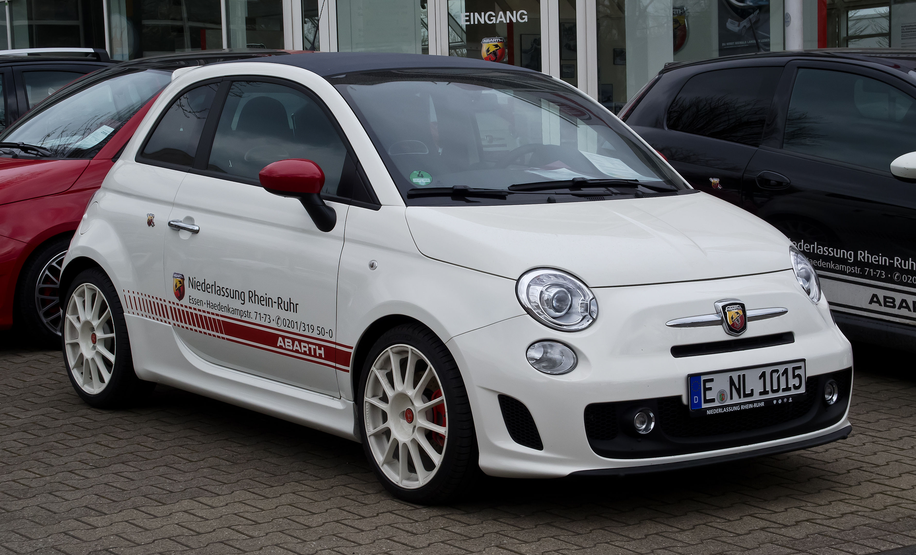 file fiat 500c abarth esseesse frontansicht 1 april 2012 wikimedia commons. Black Bedroom Furniture Sets. Home Design Ideas