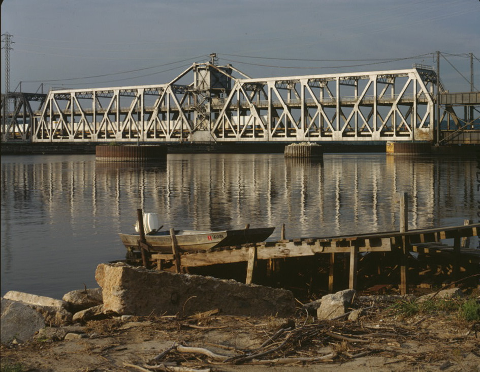 Fort Madison Toll Bridge, Fort Madison, Iowa.jpg