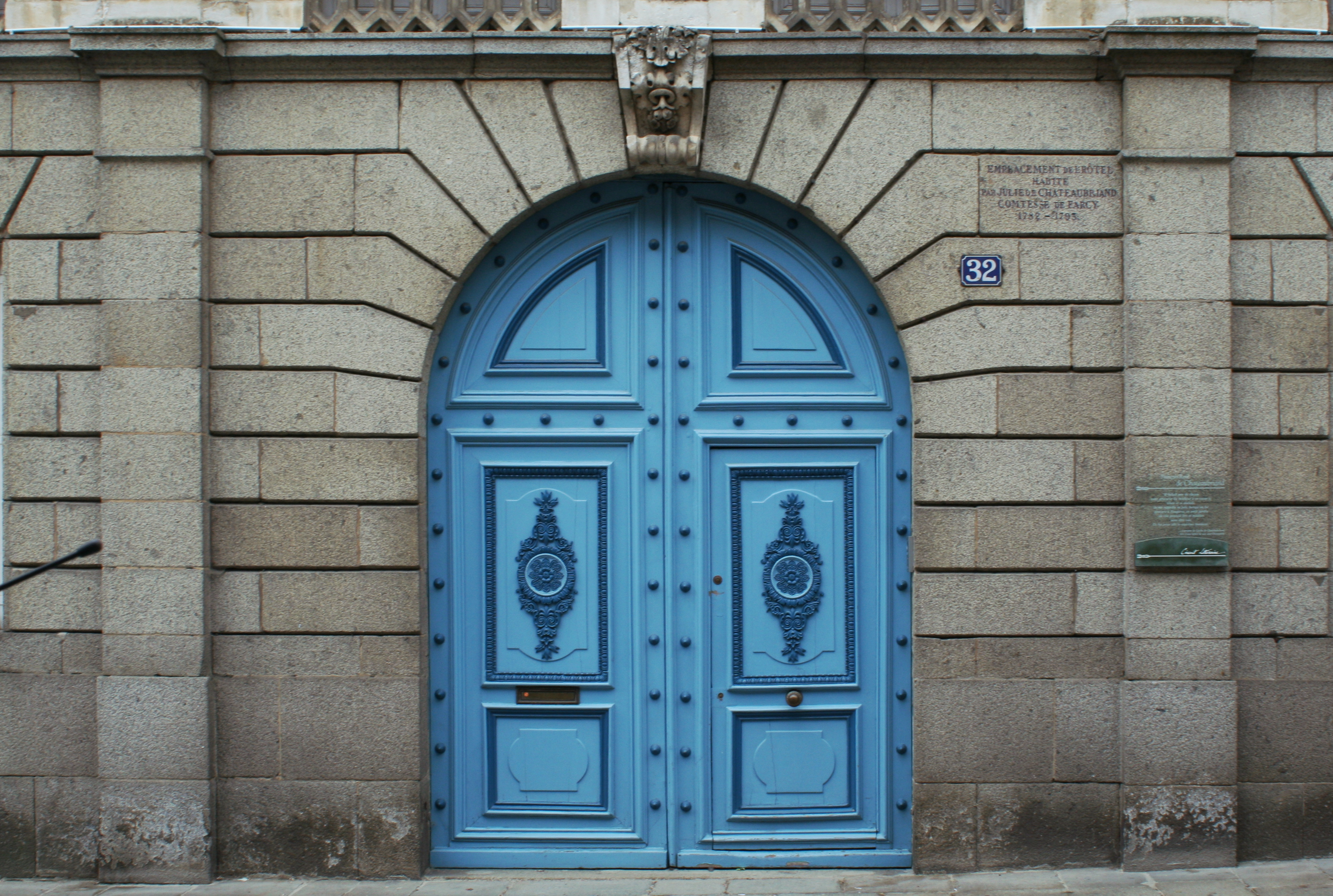 File foug res 32 rue nationale wikimedia commons for Porte 3 vantaux