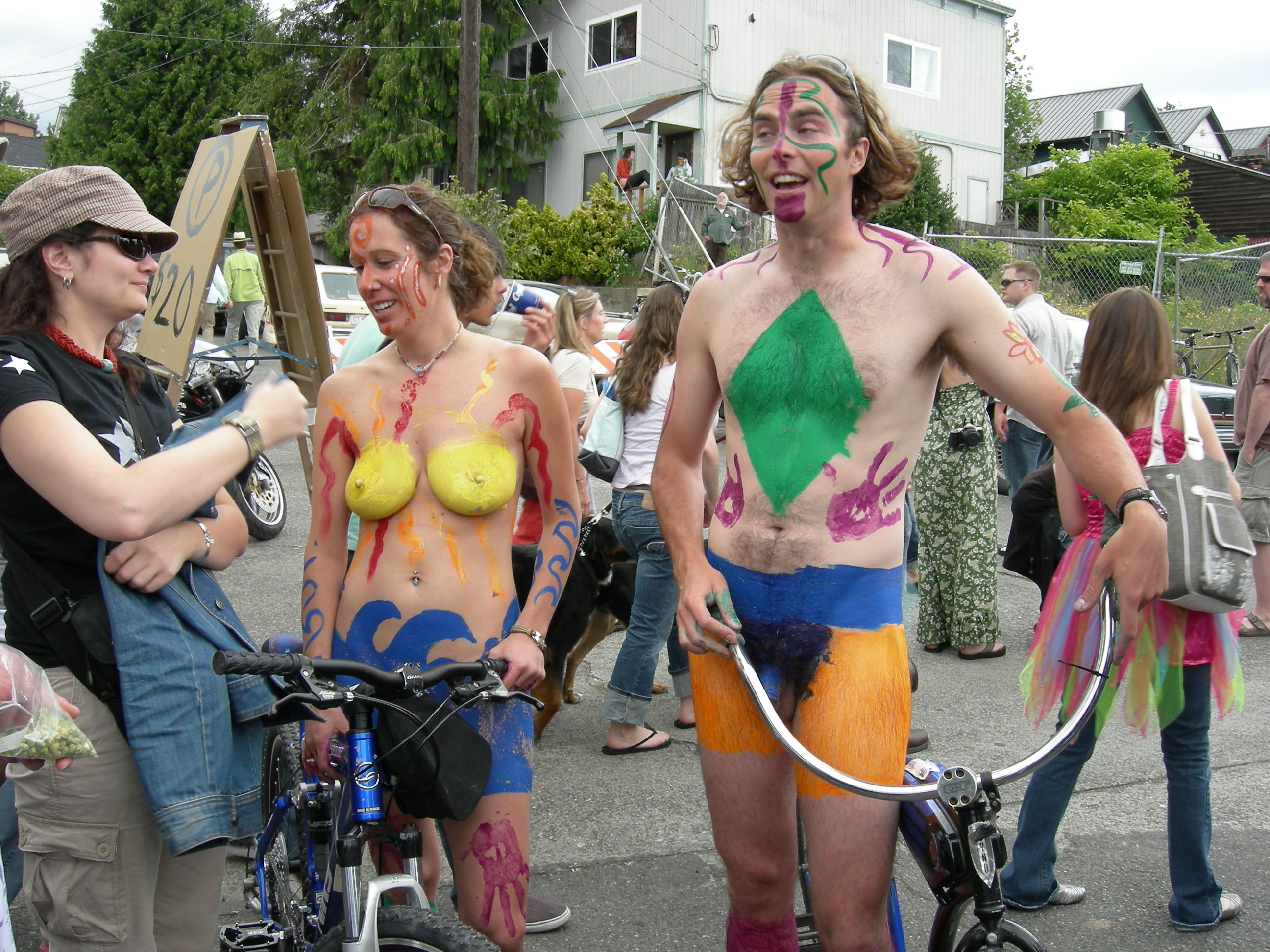 fremont nude File:Fremont naked cyclists 2007 - 60.jpg