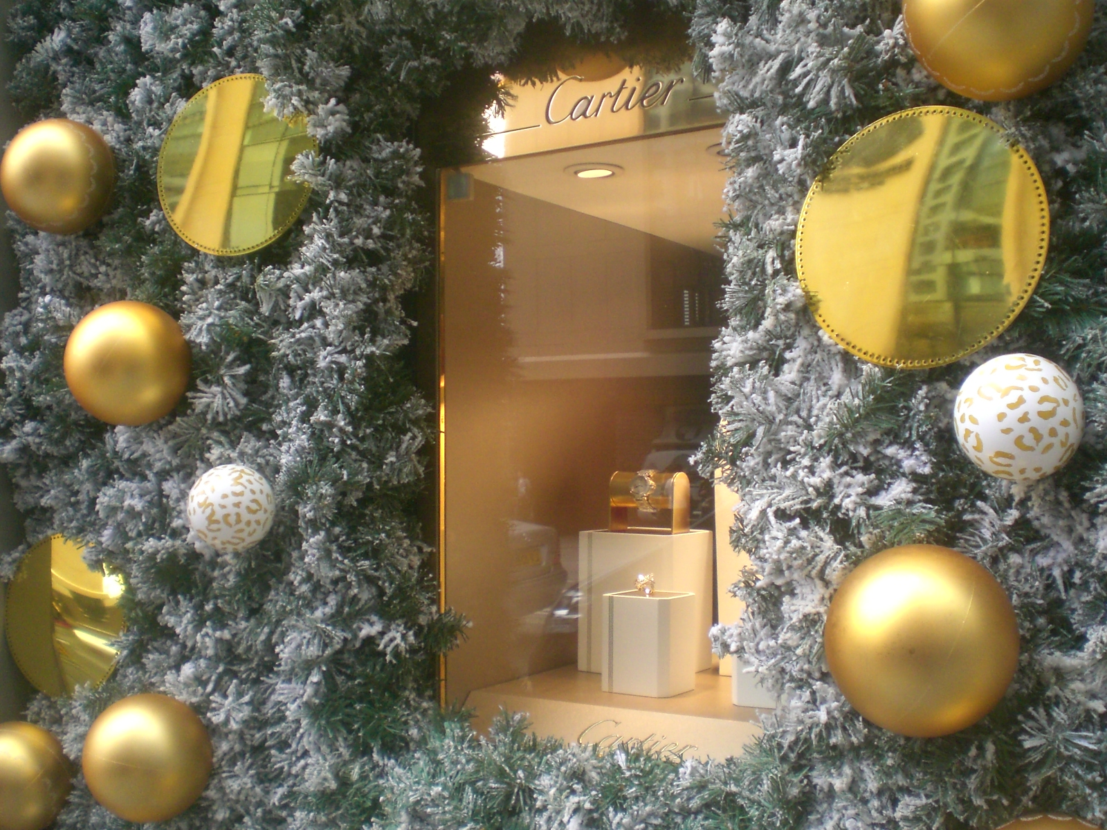 File hk central prince 39 s building shop cartier window xmas for Salon xmas decorations