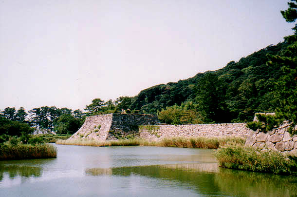 File:Hagi Castle The Keep Base.jpg