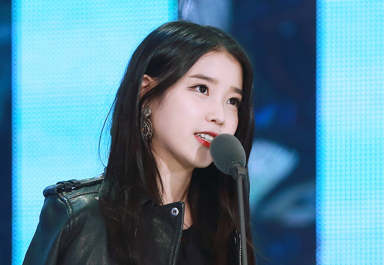 File:IU at Melon Music Awards, 13 November 2014 03.jpg - Wikimedia Commons