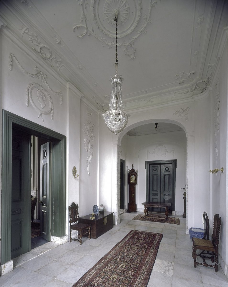 File:Interieur, hal - Laren - 20424323 - RCE.jpg - Wikimedia Commons