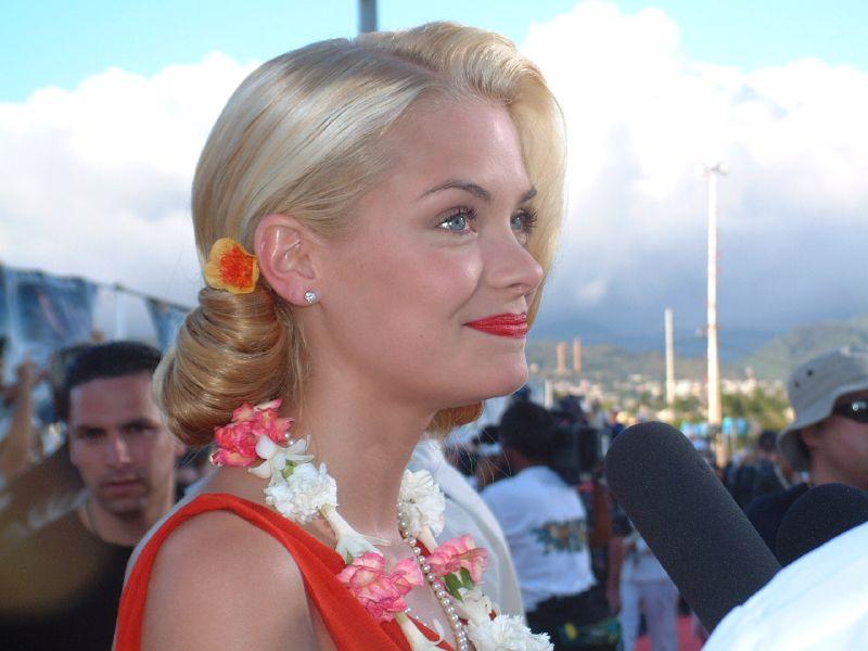 File:Jaime King Pearl Harbor.jpg