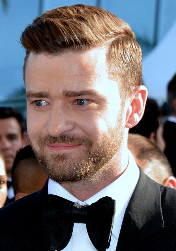 The 37-year old son of father Randall Timberlake and mother Lynn Bomar Harless, 185 cm tall Justin Timberlake in 2018 photo