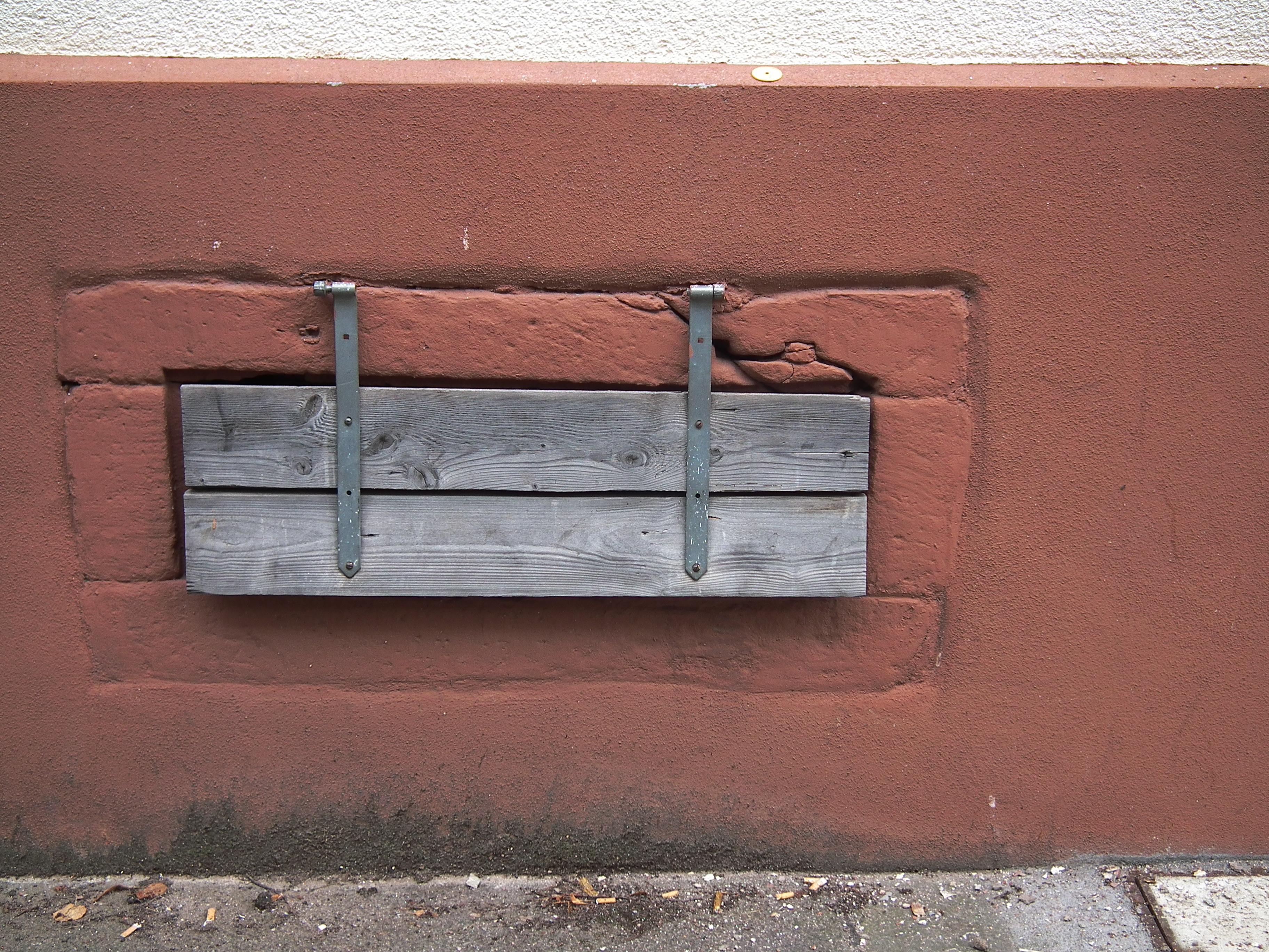 Keller fenster swalif - Kellerfenster mit katzenklappe ...