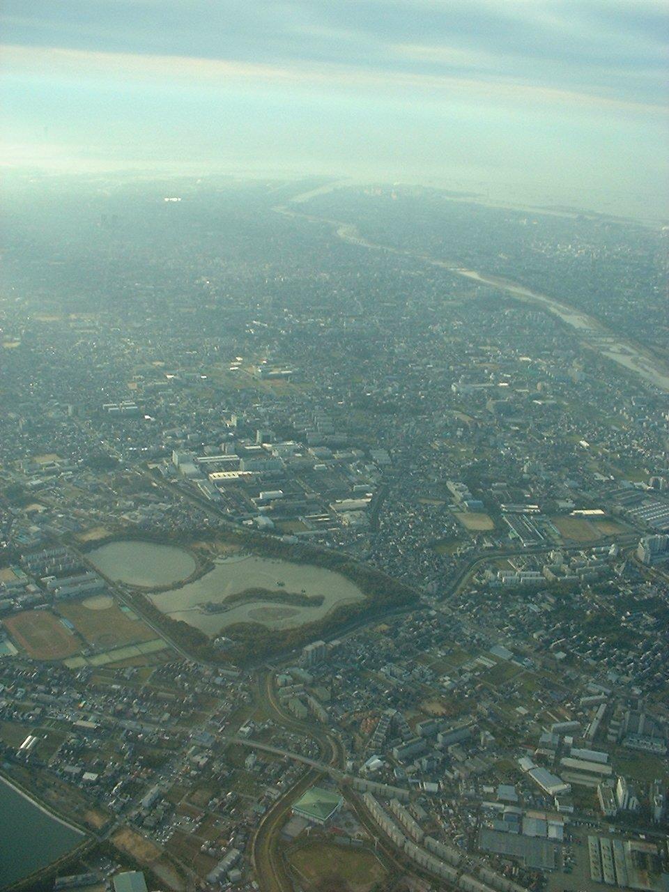 列島 昆陽 池 日本 伊丹上空から「日本列島」が見える?(謎解きクルーズ) :日本経済新聞