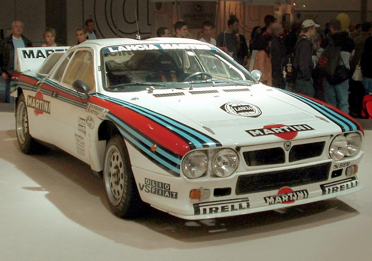 https://upload.wikimedia.org/wikipedia/commons/d/d8/Lancia_037_AMI_2006.JPG