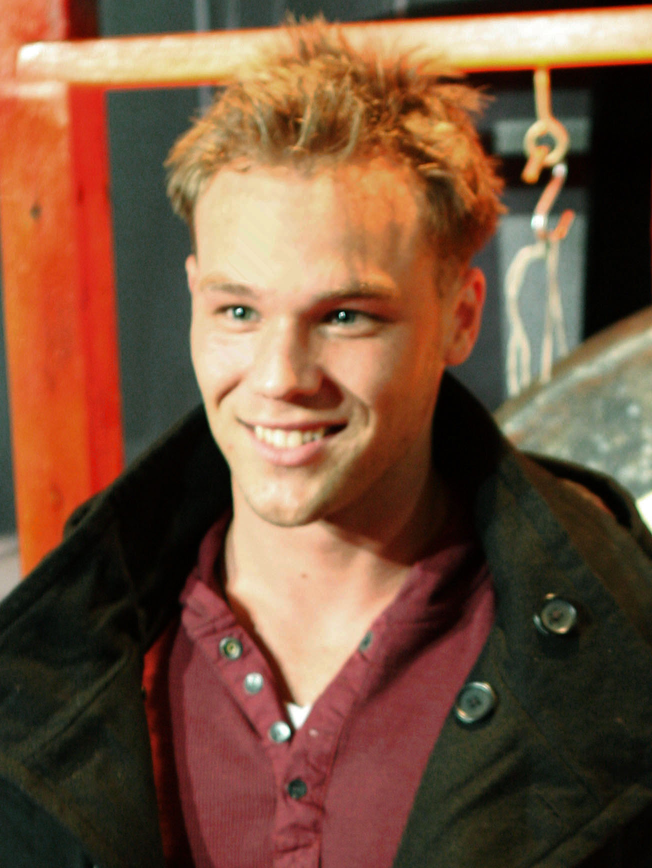 lincoln lewis - photo #39