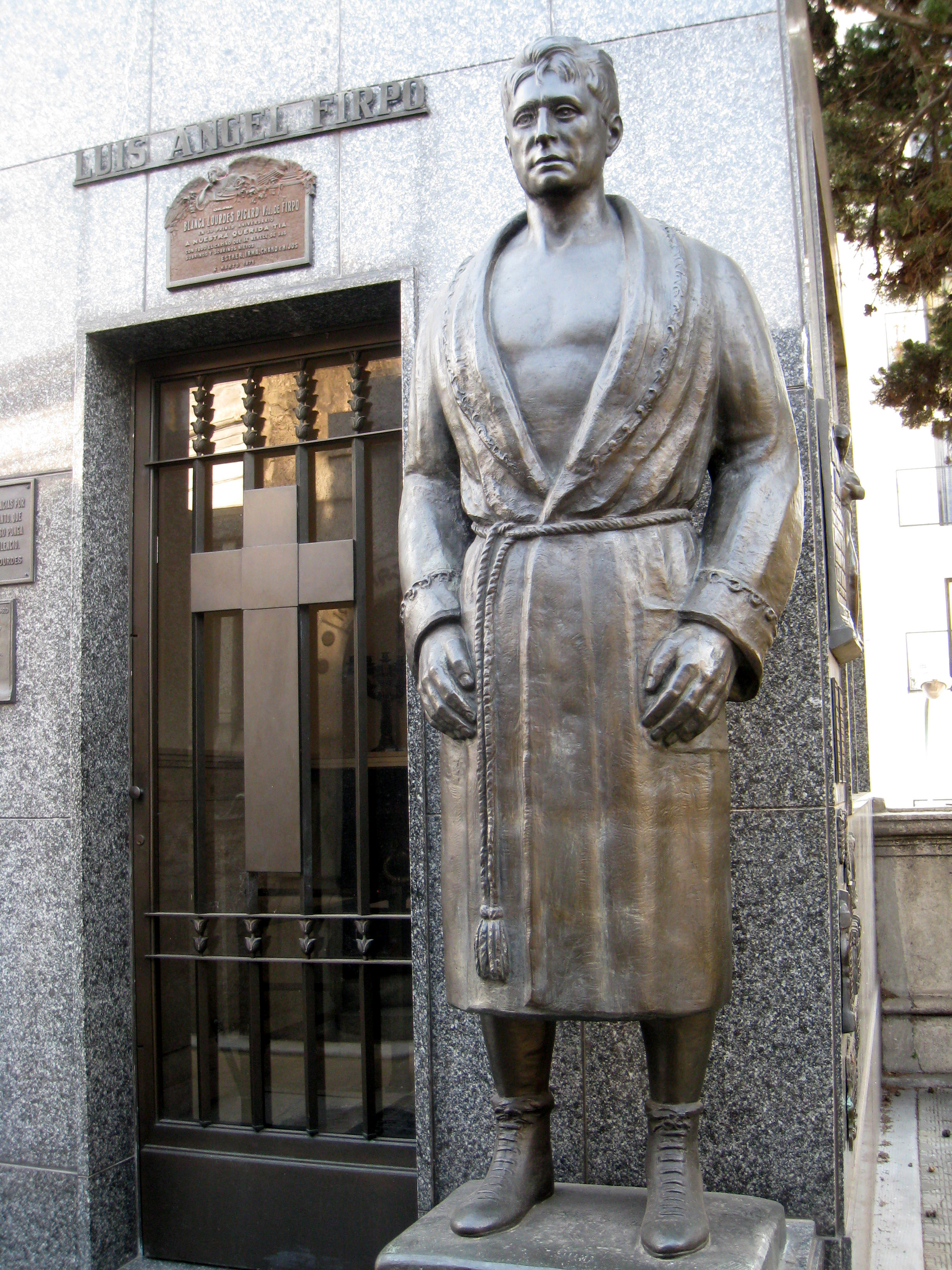 File:Luis angel firpo at recoleta.jpg - Wikimedia Commons