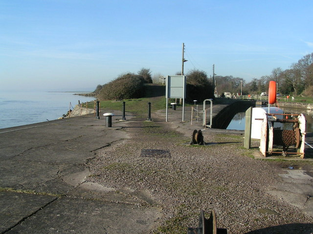 Lydney Harbour - geograph.org.uk - 683331