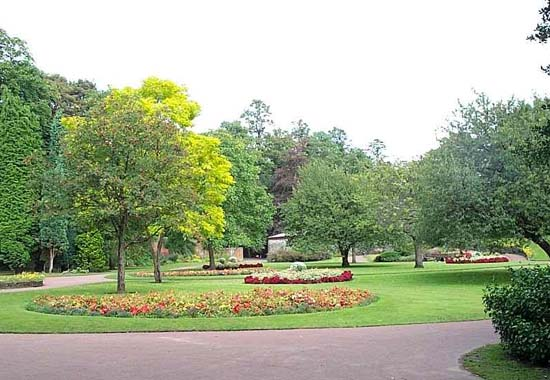 Manor Park Glossop Car Park
