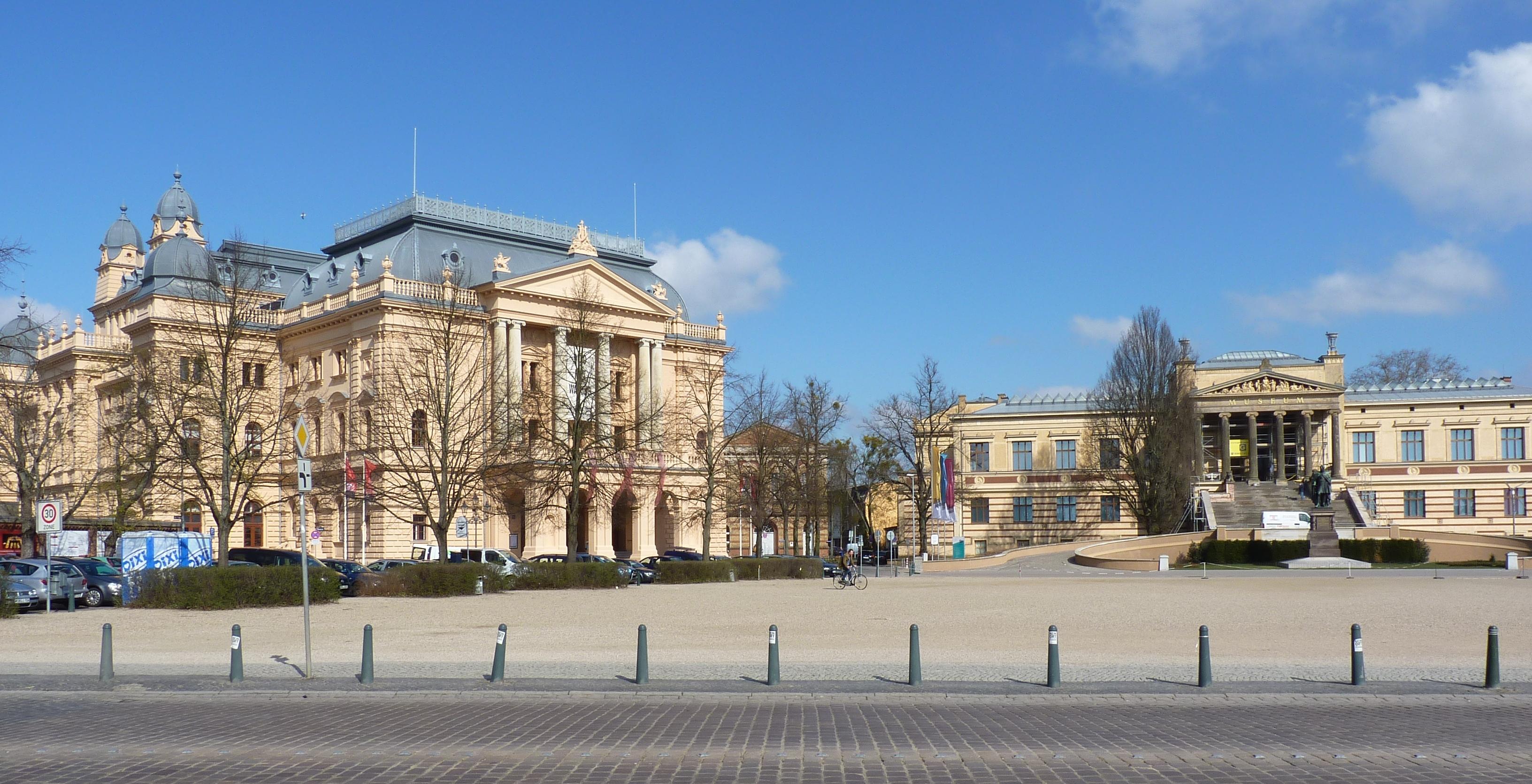 Filemecklenburgisches Staatstheater Und Staatliches Museum
