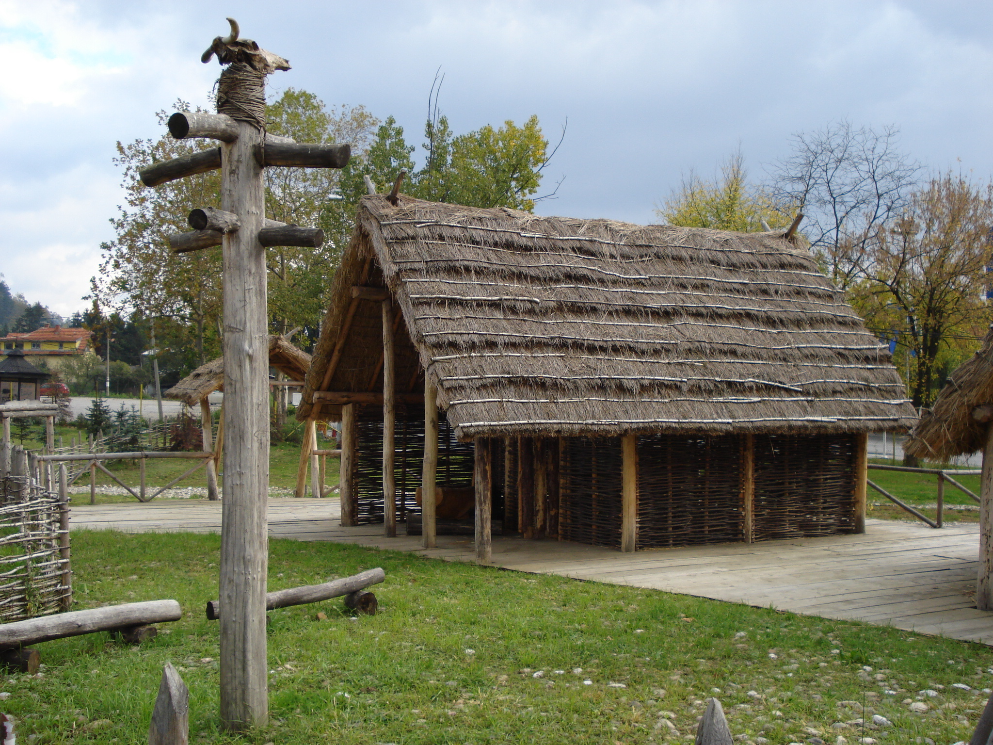 File Neolithic House Jpg Wikimedia Commons