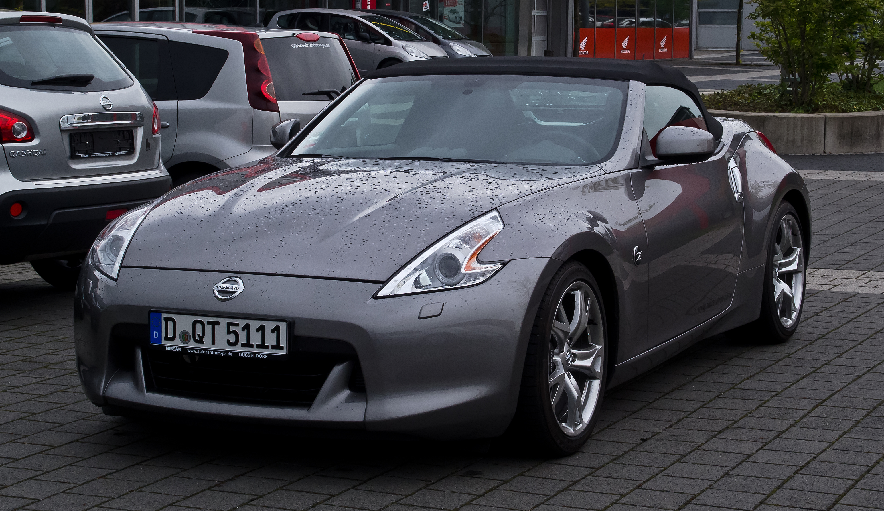 file nissan 370z roadster frontansicht 5 mai 2012 d wikimedia commons. Black Bedroom Furniture Sets. Home Design Ideas