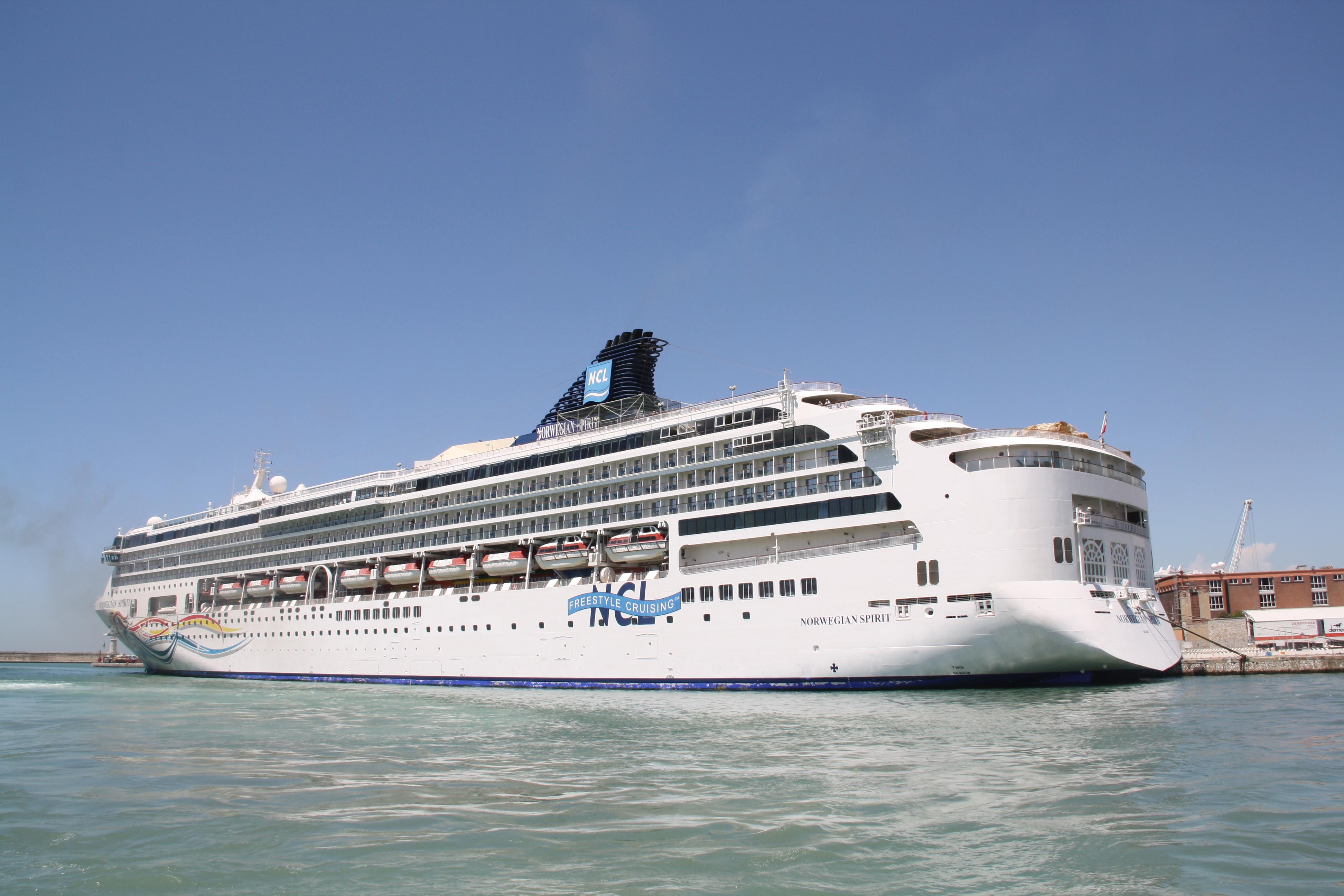 Gambling age in norwegian cruise line legal status of online gambling