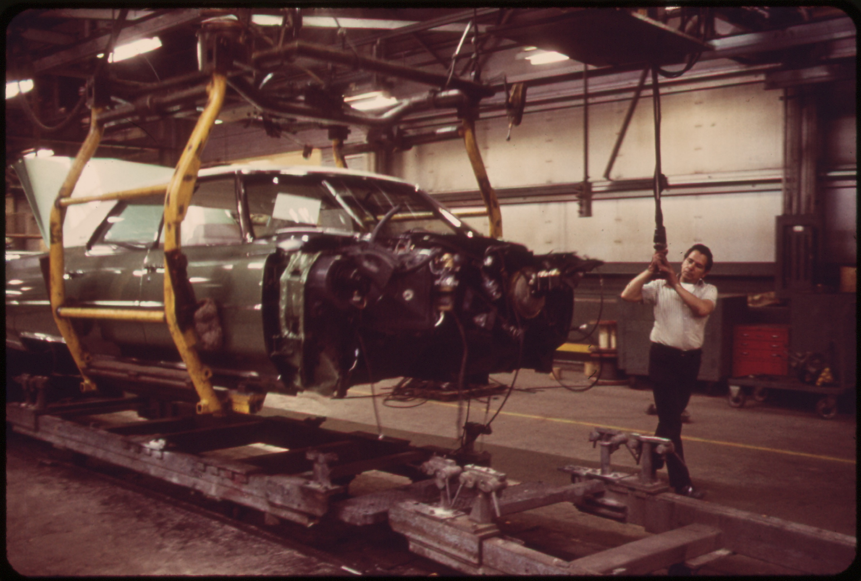 ON_THE_CADILLAC_ASSEMBLY_LINE-WIRING_IS_